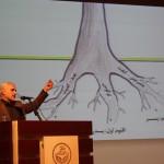 استاد حسن عباسی - یک دانشگاه، دو پارادایم