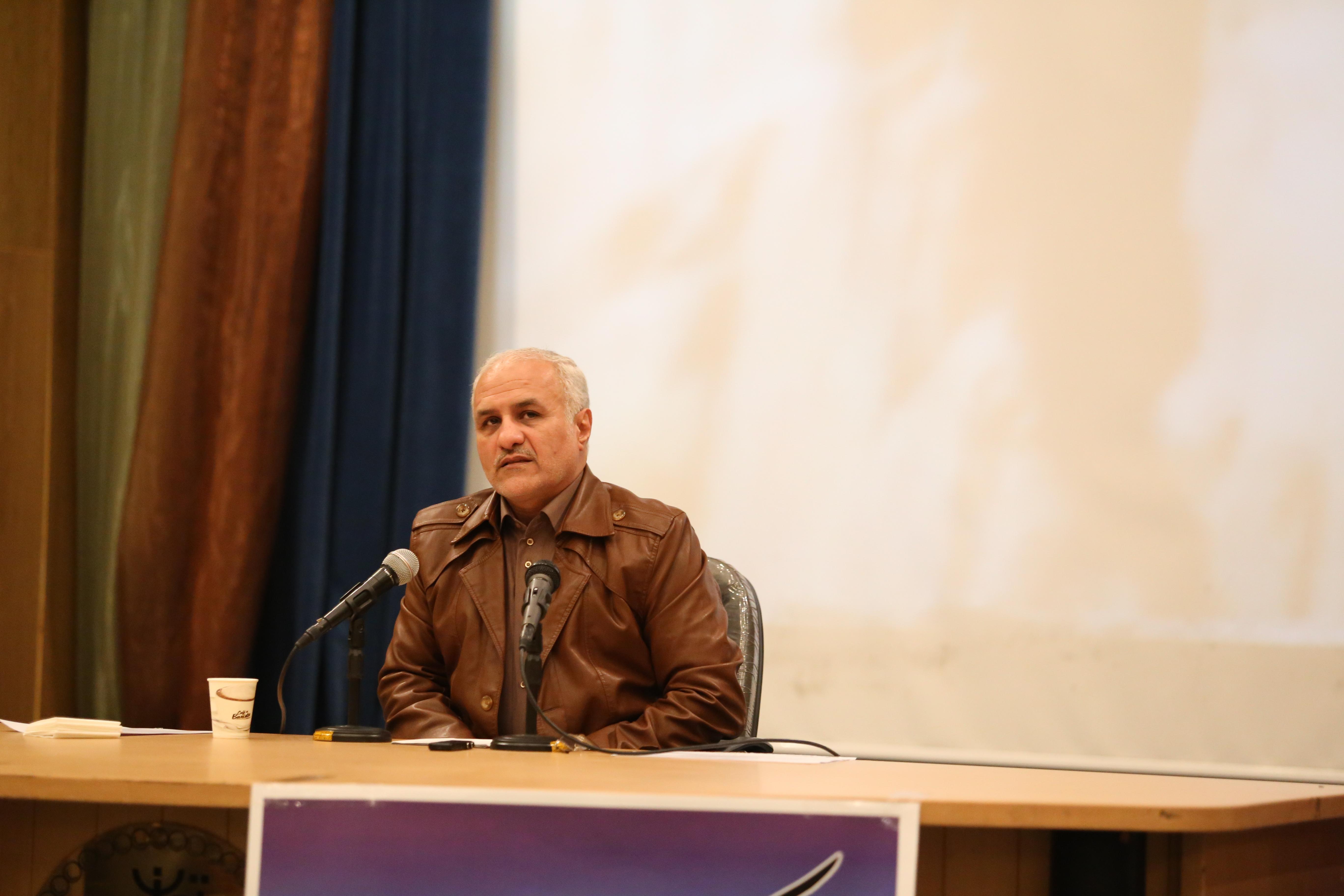 IMG 9741 دانلود سخنرانی استاد حسن عباسی با موضوع سایه روشنهای نفوذ