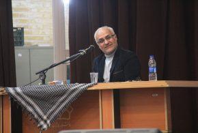 گزارش تصویری؛ سخنرانی استاد حسن عباسی با موضوع شاخصهای انقلابیگری