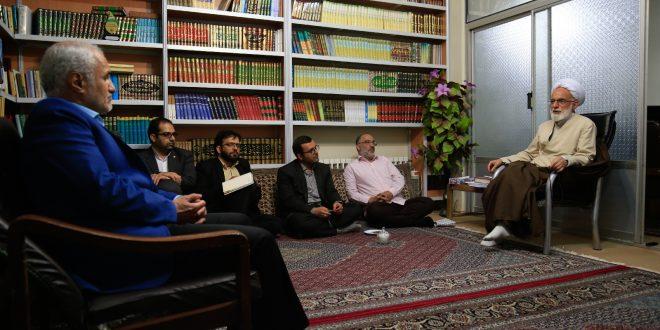 گزارش تصویری؛ دیدار صمیمی استاد حسن عباسی با نماینده ولیفقیه در استان مرکزی