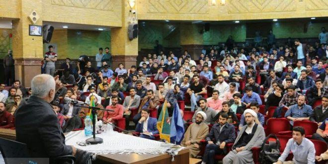گزارش تصویری؛ سخنرانی استاد حسن عباسی با موضوع گام دوم انقلاب اسلامی؛ آغاز عصر جدید